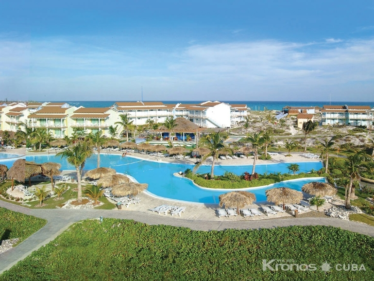 Panoramic hotel & pool view - Hotel Sol Cayo Largo All-Inclusive