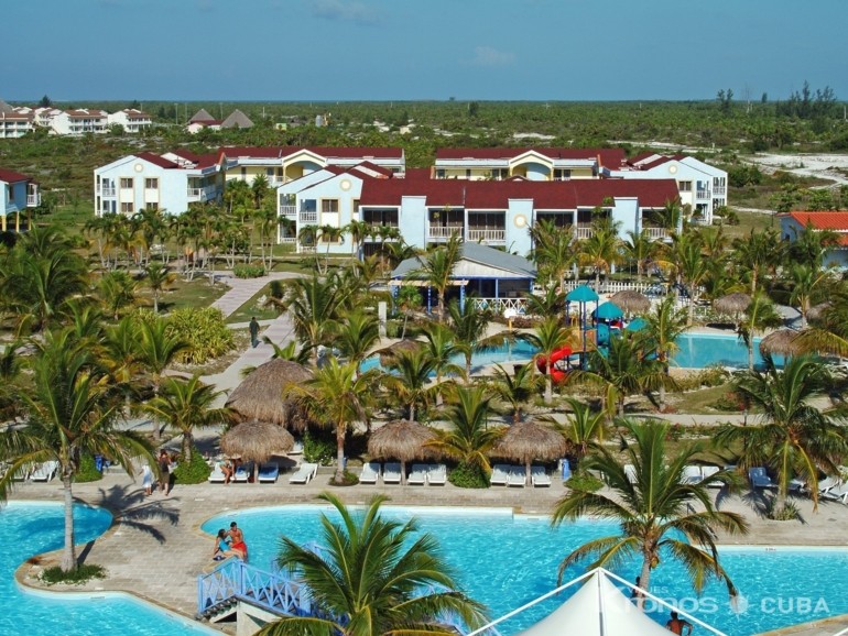 Panoramic aereal hotel & pool view - Sol Pelícano All Inclusive