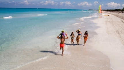 Familiy at Varadero beach
