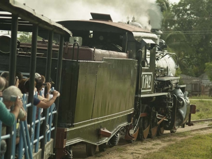 Ride on an steam train at the ancient sugar mill, Remedios city