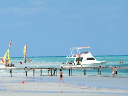 Diving boat at Jardines del Rey