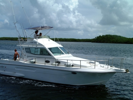 Deep sea fishing tour at north coast of Holguín