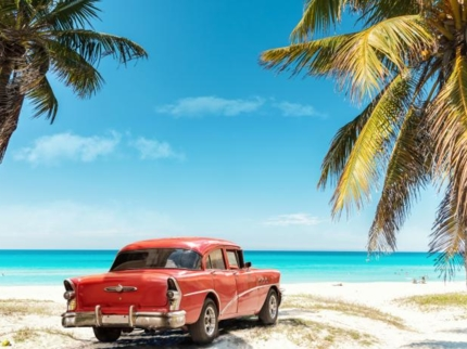 """""""Ride to Ancon Beach in Old Fashion American Classic Cars"""" Tour"""